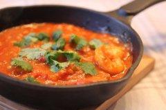 Tiikerirapuja currykastikkeella