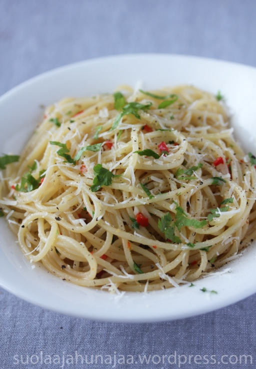 spaghetti-aglio,-olio-&-peperoncino-suolaajahunajaa